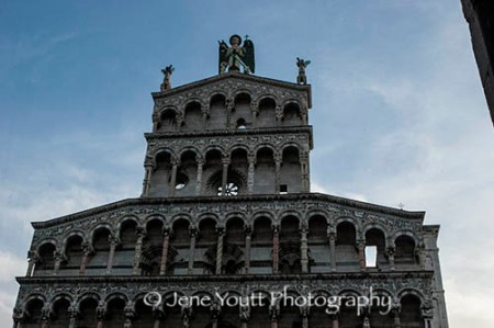 lucca church 9691